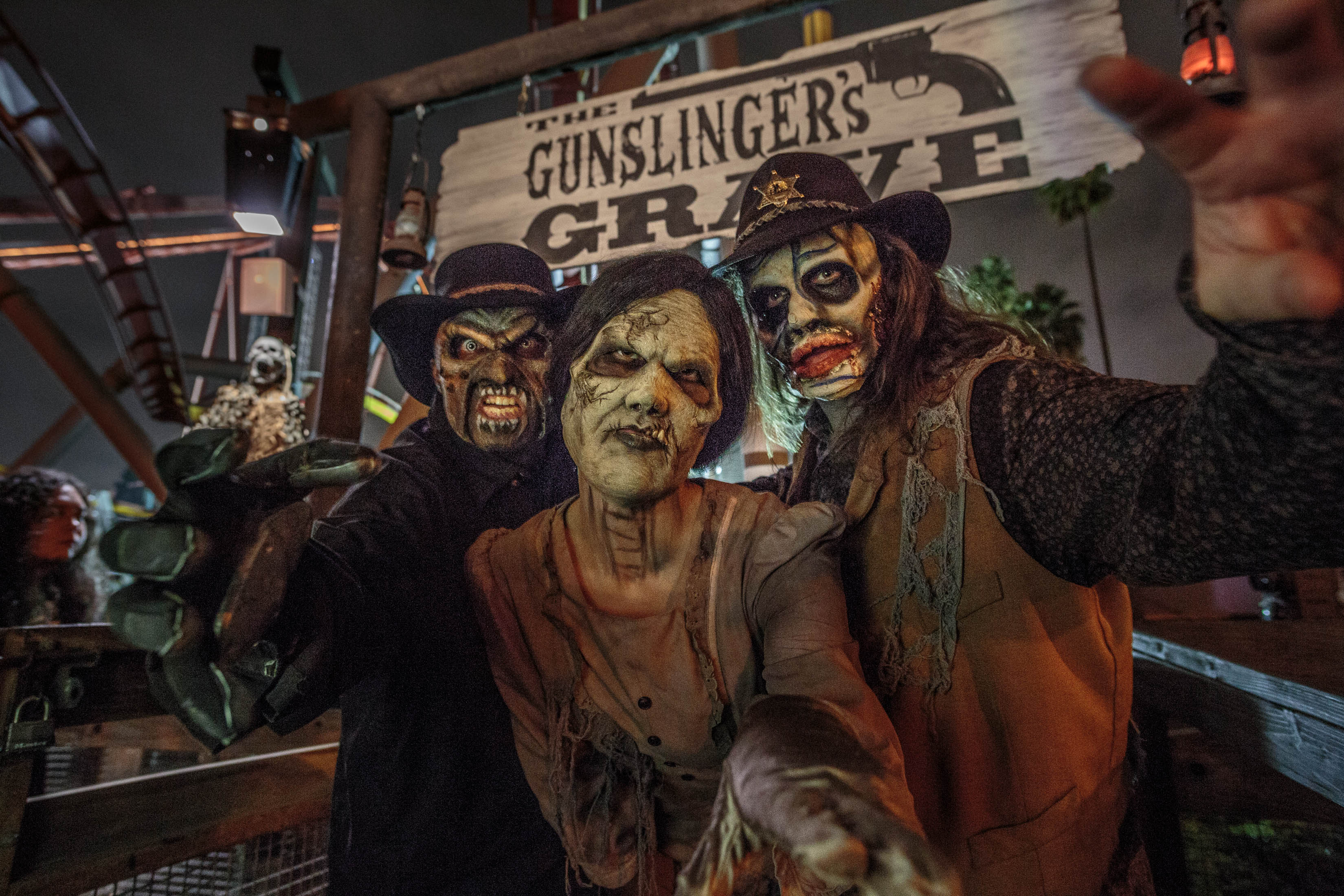 Knotts Scary Farm | Gunslinger's Grave